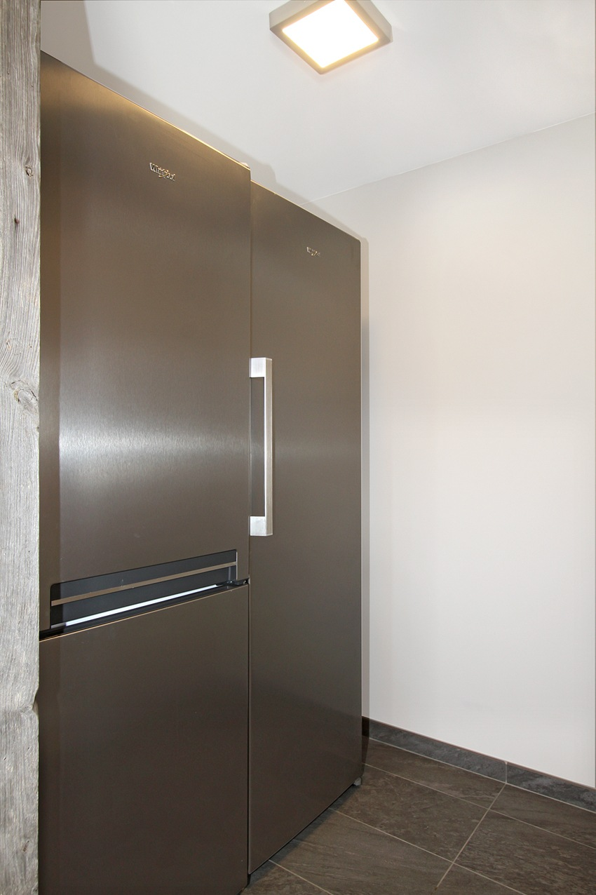 Alt : There are really big fridges for big families and friends !